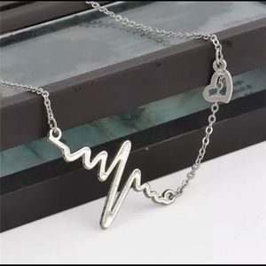 Jewelry - 💖Heartbeat Necklace💖